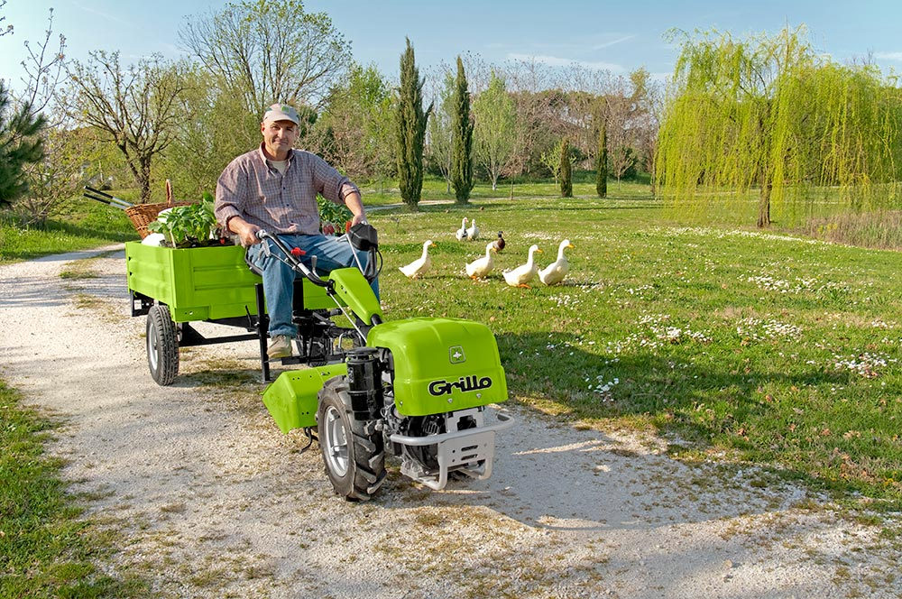 Pro Wash Poultry Grillo Walking Tractor